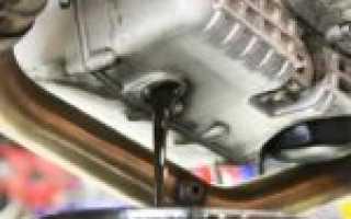 Можно ли в коробку залить моторное масло