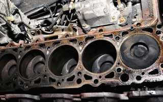 На горячую появляется стук в двигателе