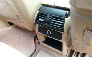 С пассажирской стороны печка дует холодным воздухом